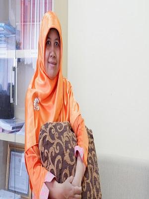 Erni Zuhriyati, S.S., S.IP., MA.
